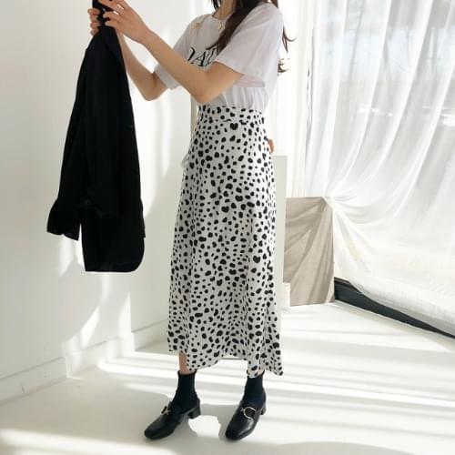 Pretzel Long Skirt