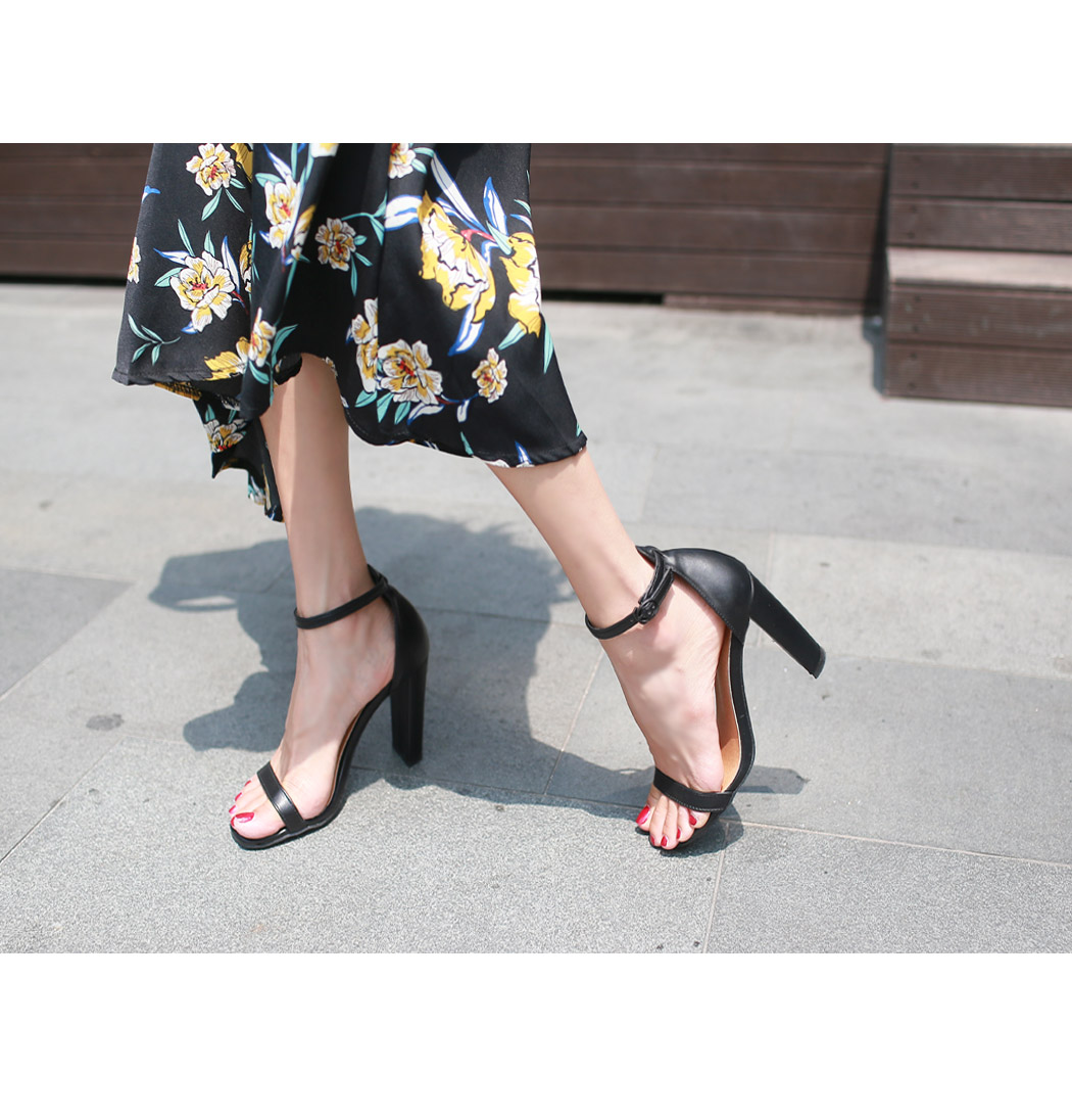 Able strap heel