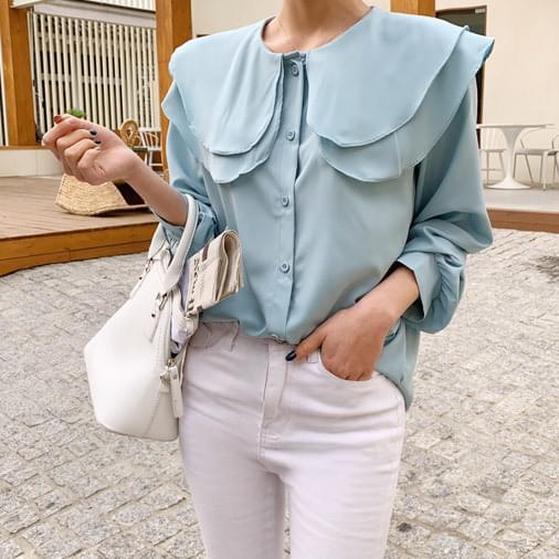 Soda frilly blouse