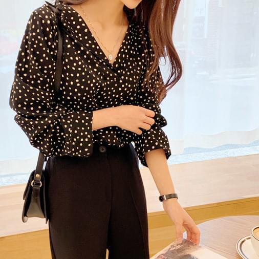 Romance opening blouse - dot blouse