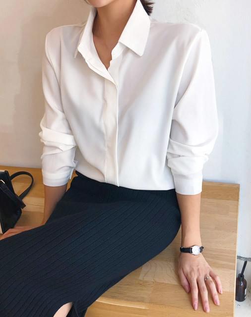 2 pin collar blouse