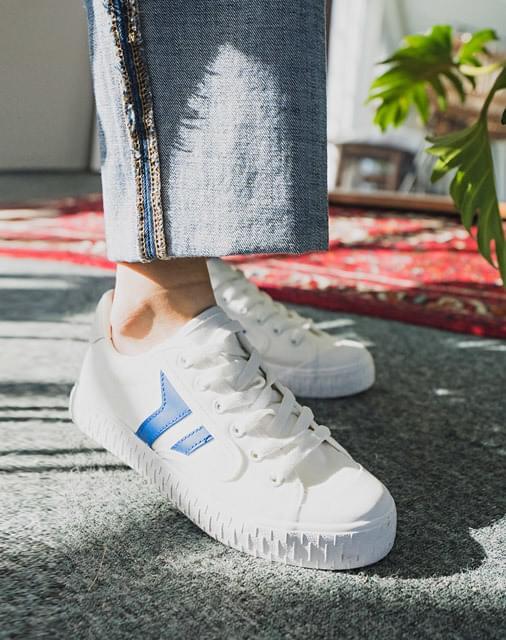 Delhi sneakers