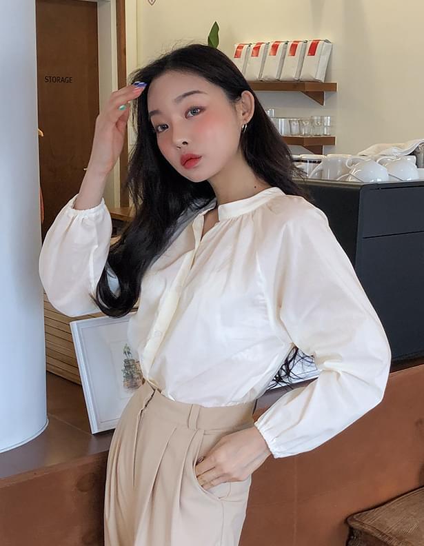Macaroni shirring blouse