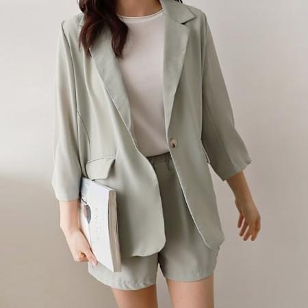 Female jacket shorts set