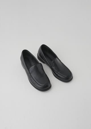crude round loafer