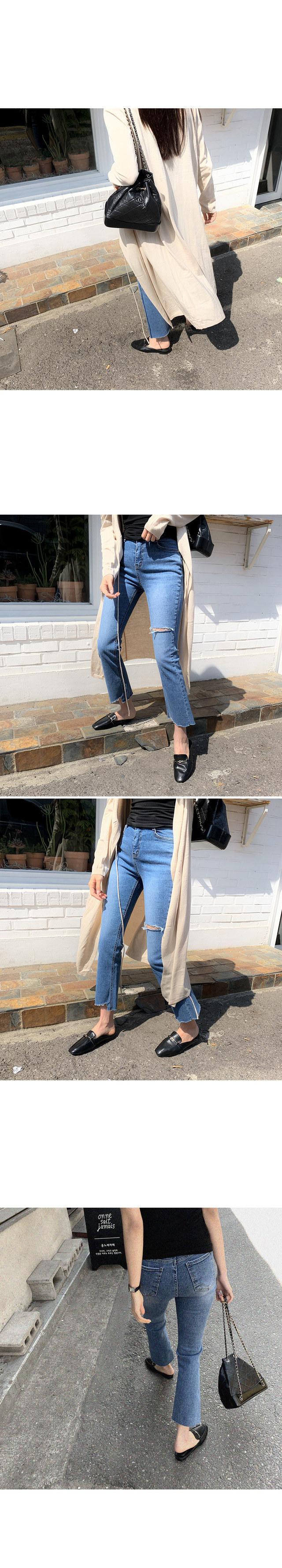 Must-boots cut denim pants