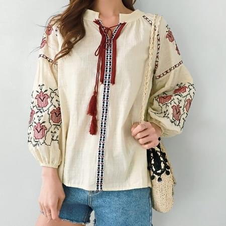 Ethnic flower embroidered blouse