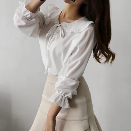 Color ribbon blouse