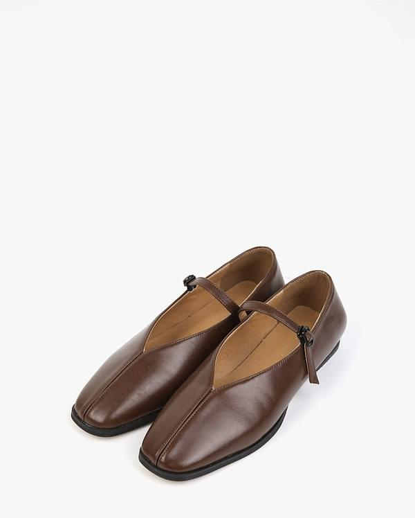 found flat shoes