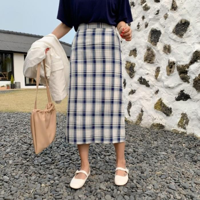 Navy check long skirt skirt