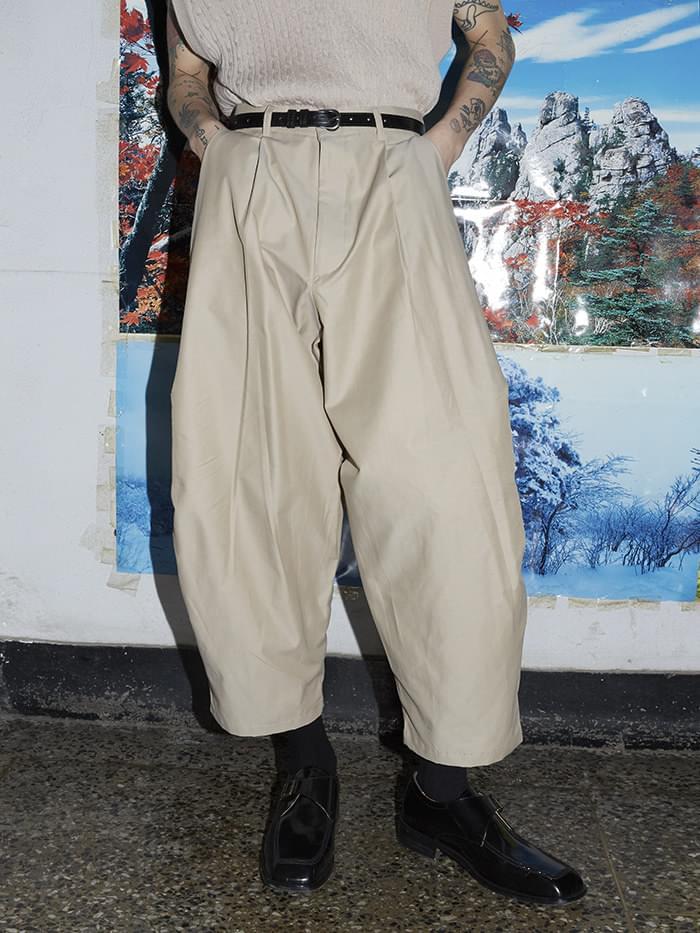 side pintuck crop baggy pants - men