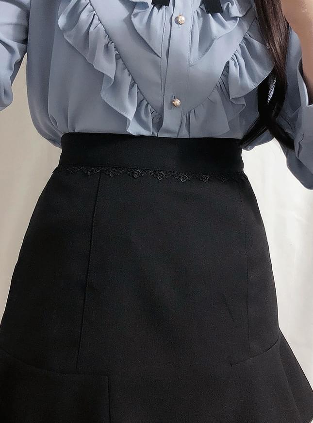 Creamy lace skirt pants