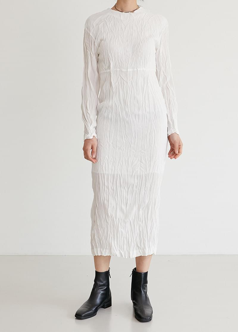Pleated slim dress