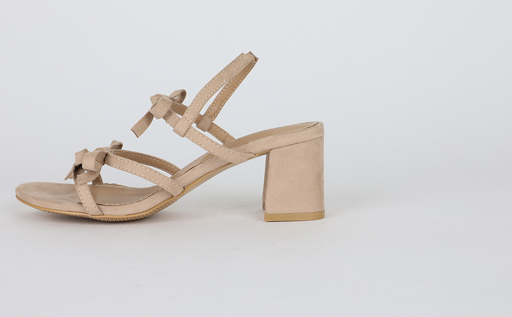 basic ribbon heel
