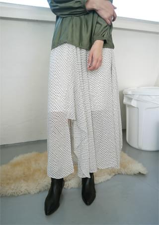 unbalance dot long skirt