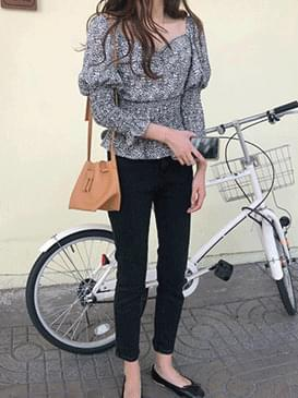 Square Pure Flower Blouse