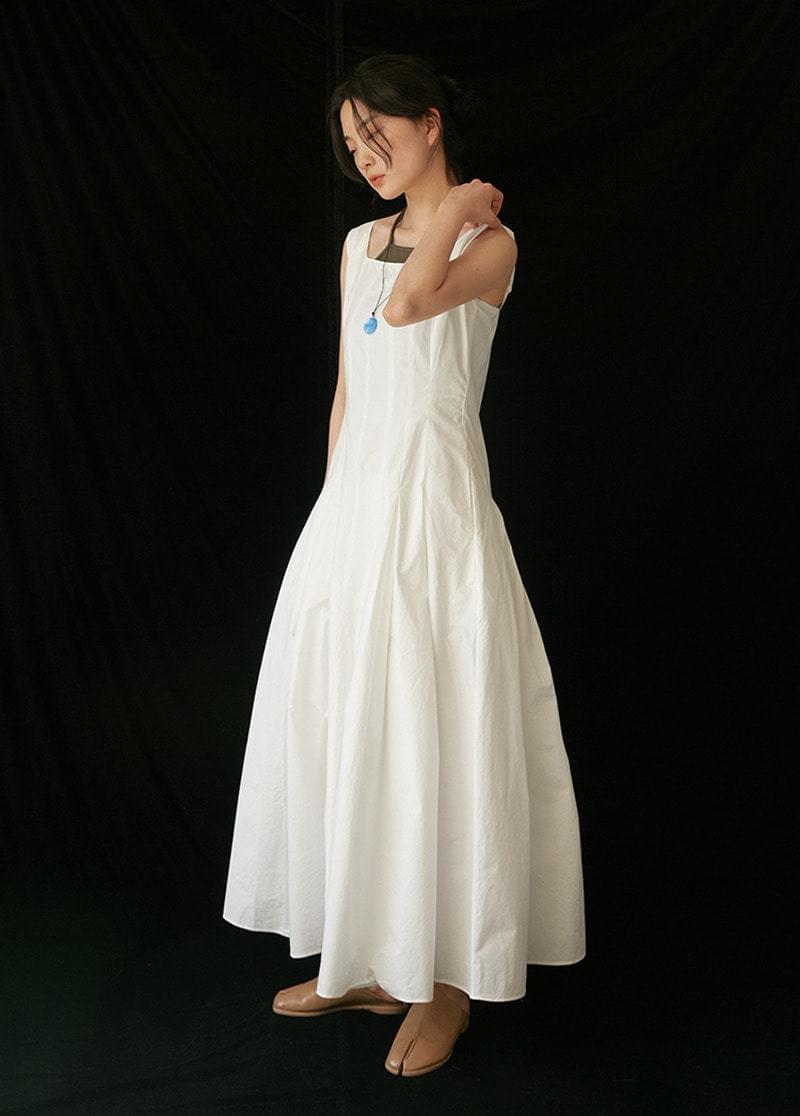 Linen line dress