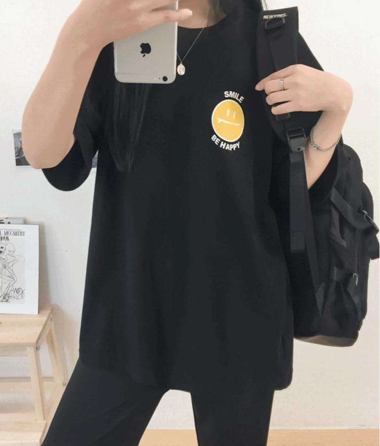 Park Si Fit Oval Smile T-Shirt