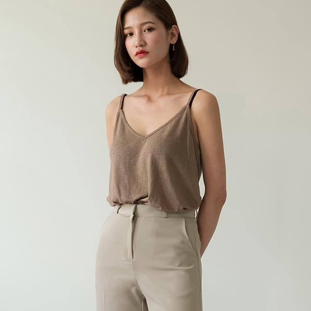 cozy v-neck linen sleeveless