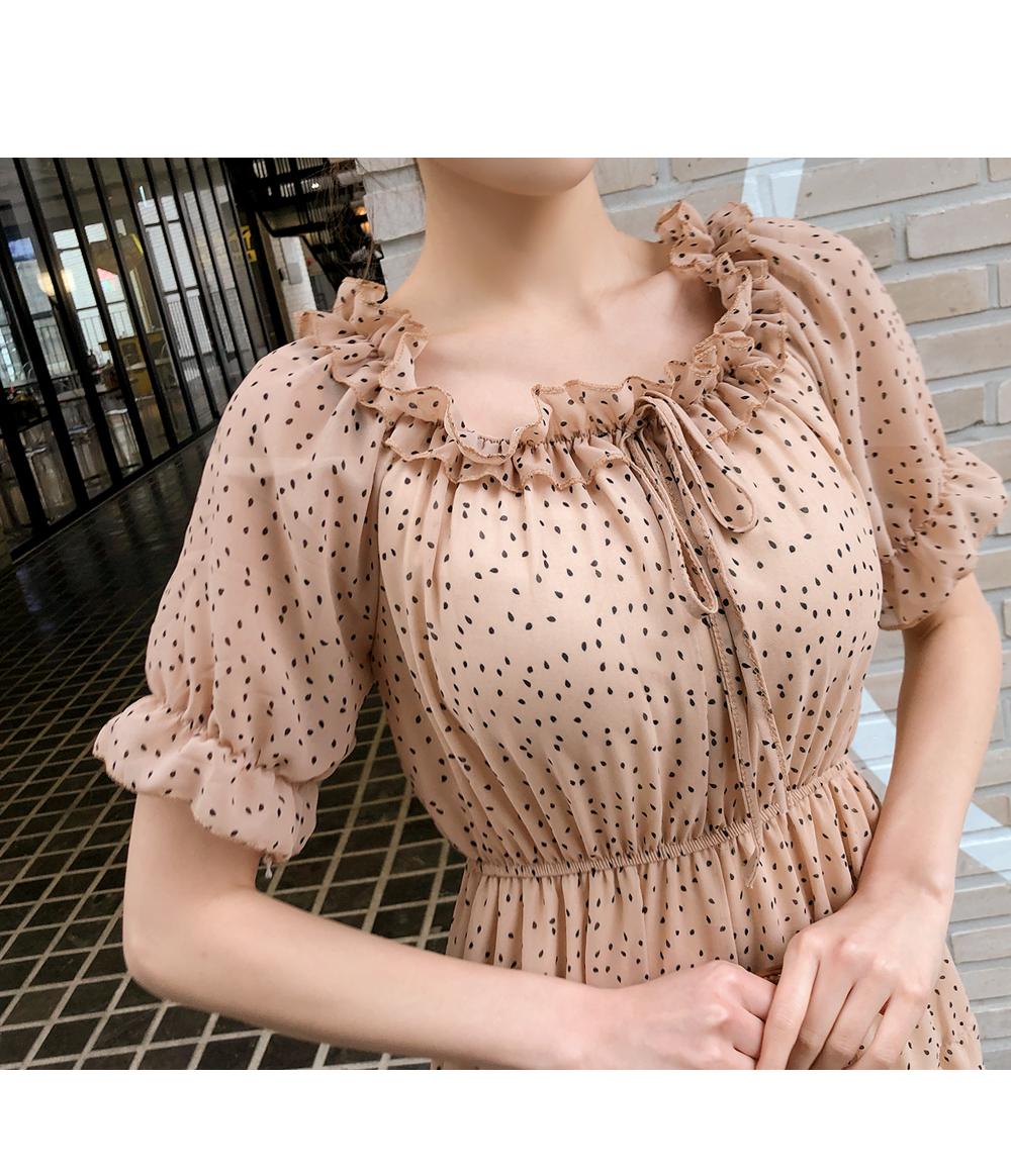 Dot chiffon-filled dress