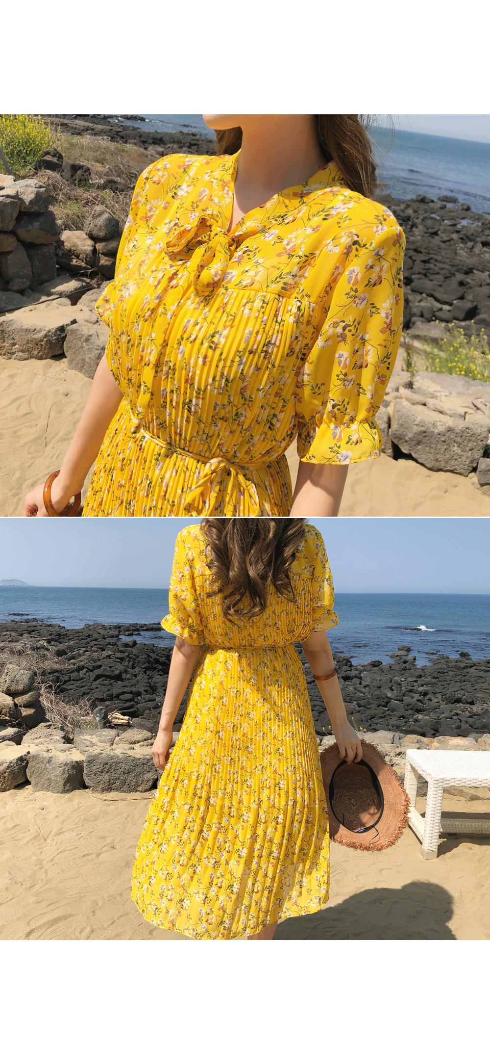 Flower pleated chiffon dress