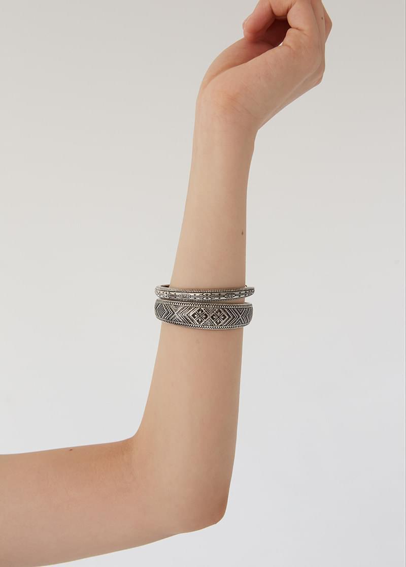 bracelet 51