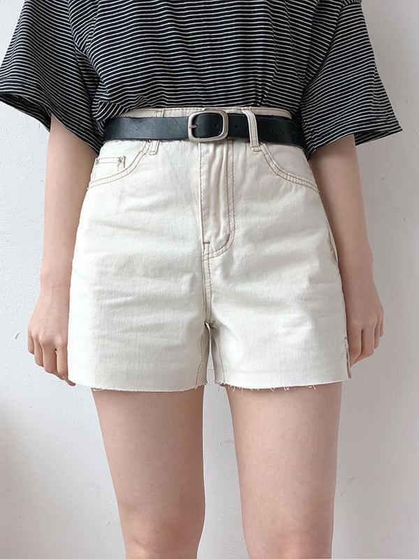Creamy Stitch Short Pants