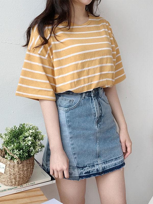 Cross color denim skirt