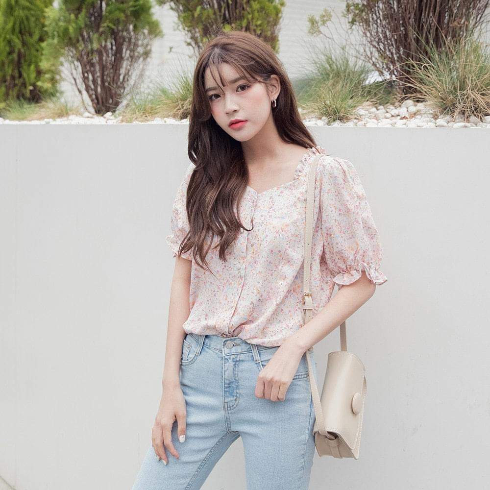 Frill flower pattern blouse