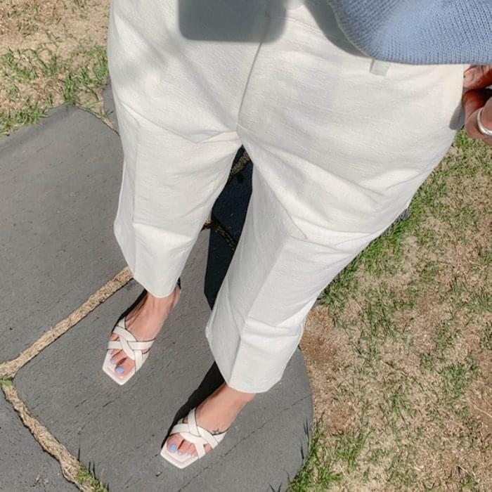 Semi-Wide Pit Summer Crop Slacks