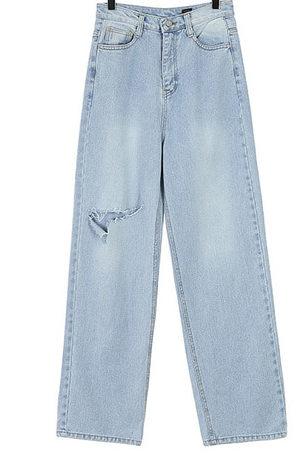 Cutting wide denim pants