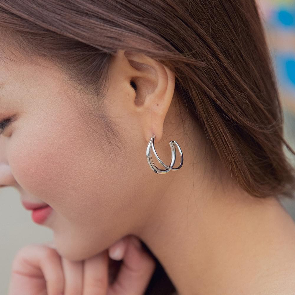 Triple ring earring