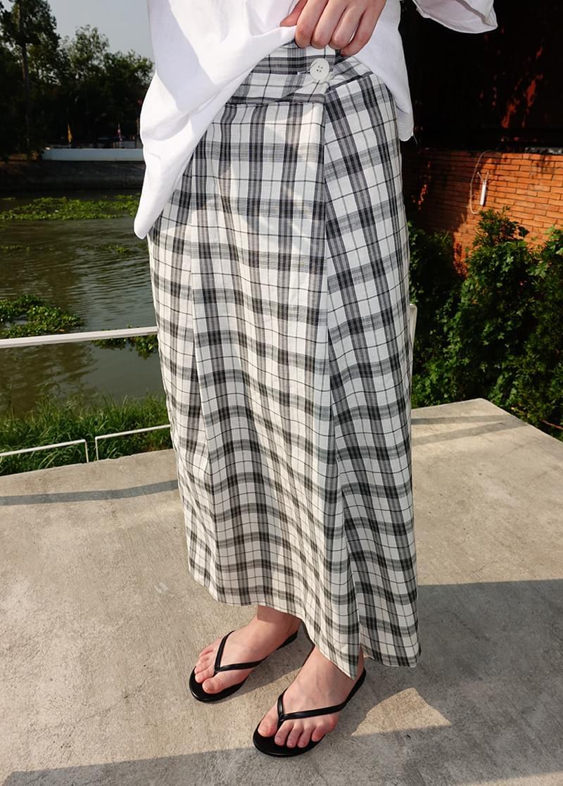 Check linen skirt