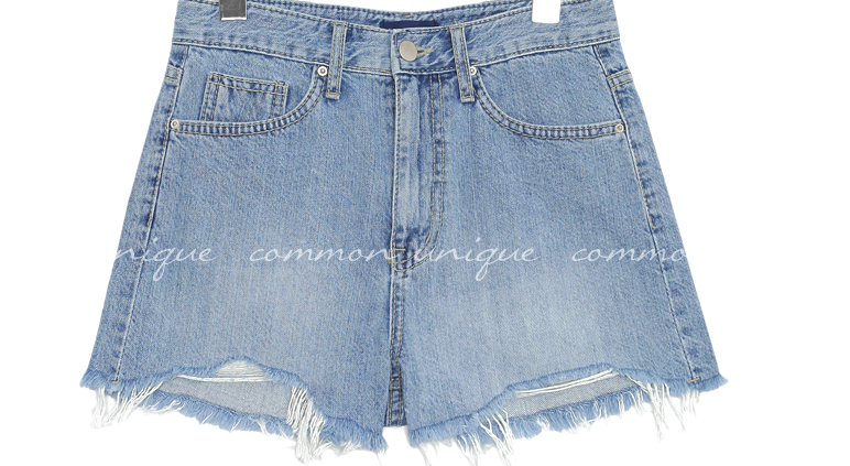 DIALLO DEMAGE DENIM SHORTS