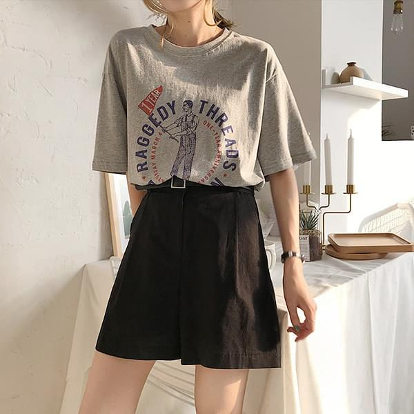 Casual pin tuck cotton shorts