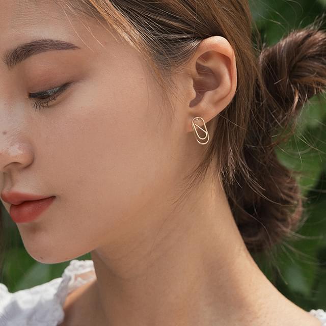 clip shape earring