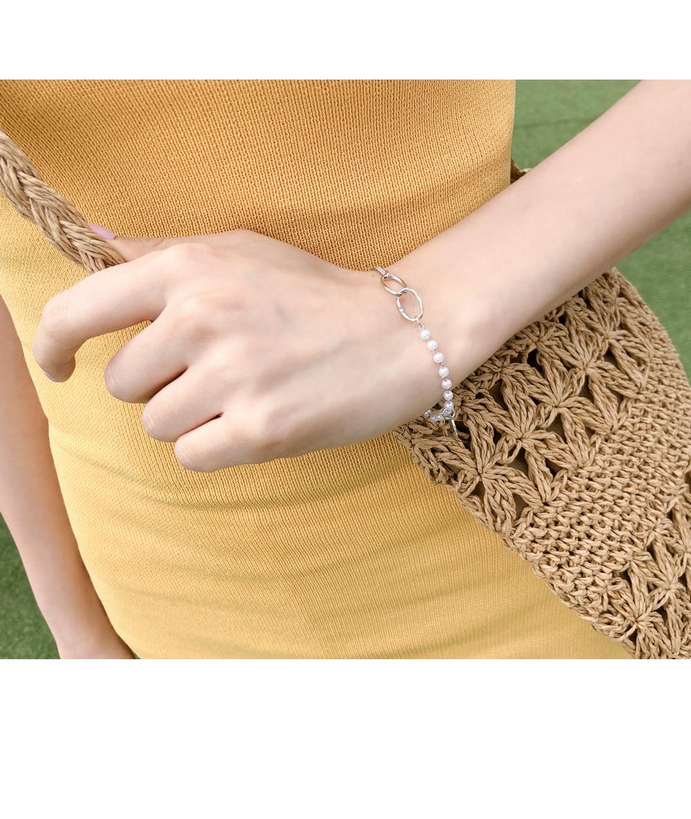 Pearl bracelet wraps around your wrist