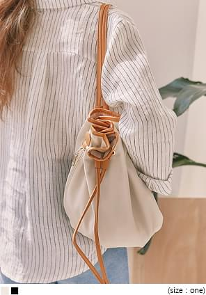 TRONY LEATHER BUCKET BAG