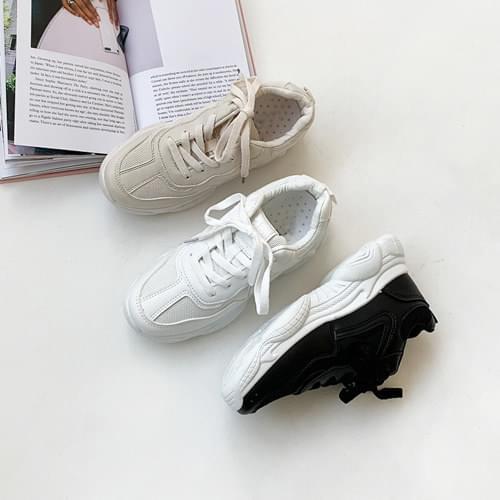 Flemish sneakers