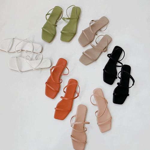 Square strap sandals