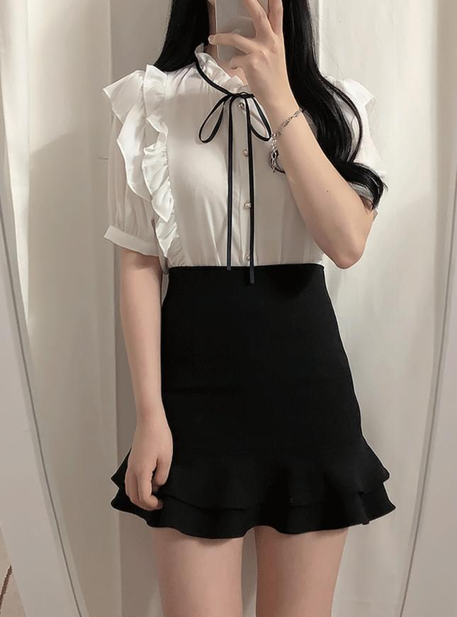 Pudding ruffle ribbon blouse