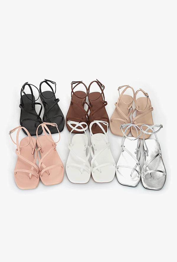 I'm a non-strap sandal