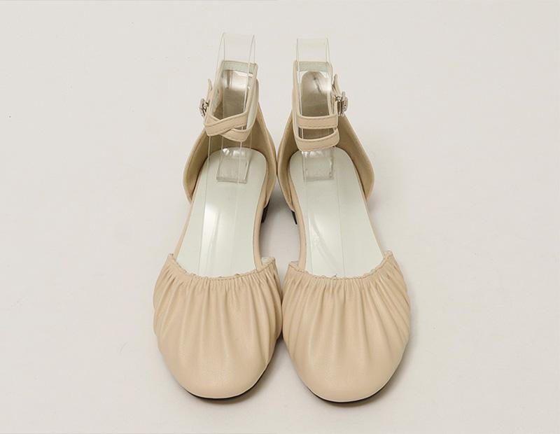 Close tighten belt shoes_S