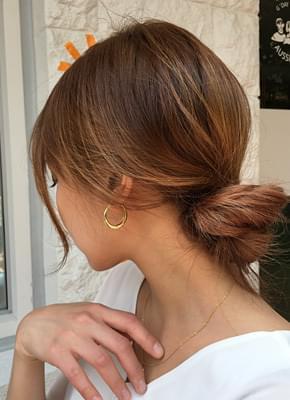 Solid earrings