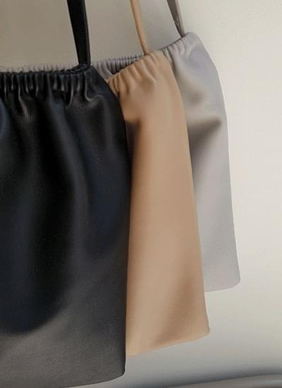 Luge leather shoulder bag