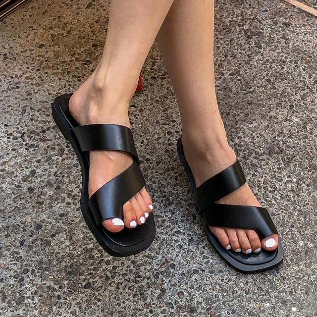 thick line slipper