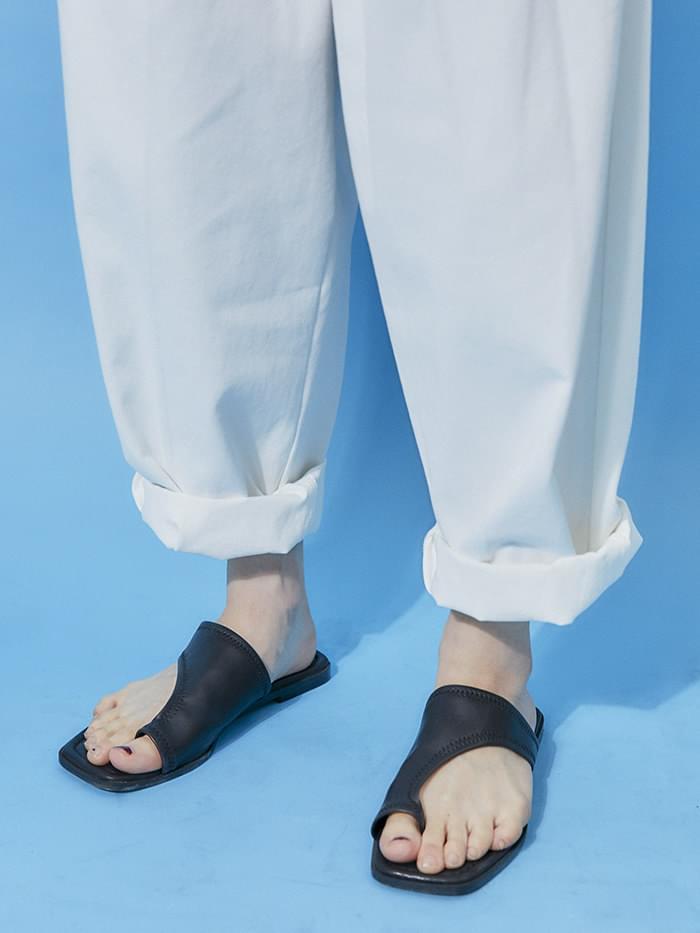 diagonal slipper