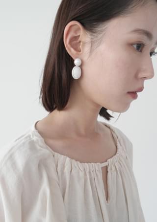 oval round drop earrings