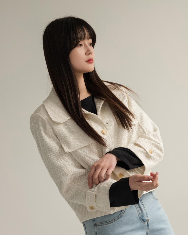 texture short jacket wide collar neck semi cropped jacket