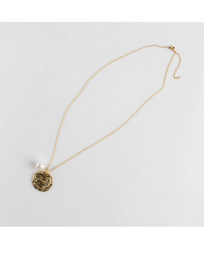 Ryan Pendant Necklace
